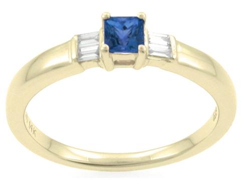 blå sten i ring
